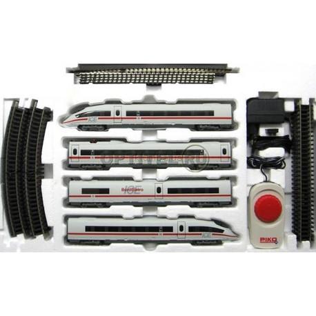 Детская игрушка Piko Стартовый набор Пассажирский поезд с электровозом
