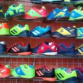 Сороконожки,бутсы,кросовки для футбола от 28 р-ра до 46 р-ра.