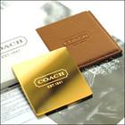 Золотое зеркальце в чехле от элитного бренда Coach Коуч в наличии.