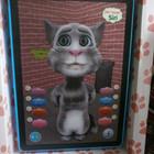 говорящий кот ТОМ на планшете