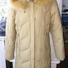 Женская зимняя куртка-пуховик с капюшоном в идеальном состоянии