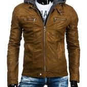 Стильная  мужская кожаная куртка с капюшоном