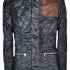 Женская стеганная демисезонная куртка с латками на локтях из эко-кожи