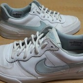 Кроссовки кожаные Nike оригинал р.40