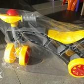 +Видео Ролоцикл серо-желтый, от года, каталка, новая расцветка!