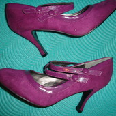 Фирменные замшевые туфли с пряжками сиреневого цвета на наш 40 размер