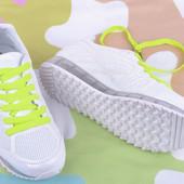 Женские кроссовки в сеточку