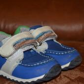 Продам кроссовки- ботиночки Tom.m