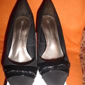 Фирменные M&S классика замшевые туфли 41 размер