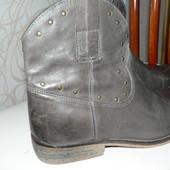 Французские модные ботинки с заклепками