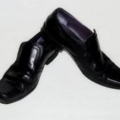 Кожаные туфли Clarks р. 8 наш 42-43 по стельке 28 см. Индия.