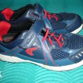 Фирменные Clarks кроссовки для мальчика на наш 32,5 размер