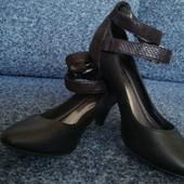женские туфли  41(7)размер
