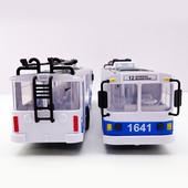 Модель - Троллейбус Big (свет, звук)