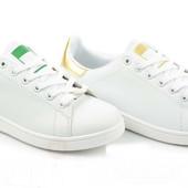 Белые кроссовки женские Adidas