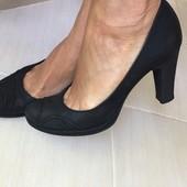Продам кожаные туфли Carlo Pasolini