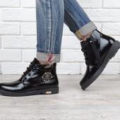 Ботинки женские лакированные черные Ricci на молнии и шнуровке