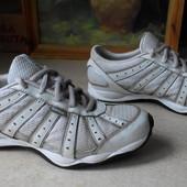 № 1603 кроссовки Adidas 42 кожа
