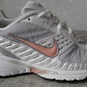 Кроссовки р.40 Nike (оригинал)