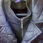 Продам стеганную  куртку 50 р. Укрпочта за мой счёт .