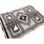 Карпатские пледы (одеяла) из натуральной овечьей шерсти
