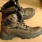 фирменные ботинки 38 р Landrover