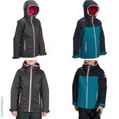 Непромокаемая детская куртка фирма Tribord. Р. от 4 до 14 лет. Польша.