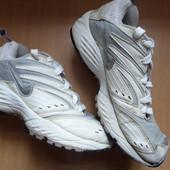 Кроссовки Nike ,размер-38  ,24 см длина стельки