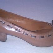 Женские кожаные туфли Geox р.38