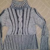 Тёплый свитер идеальное состояние М- ка