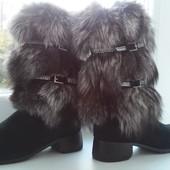 Зимові черевики 39-40 утеплені натуральною цигейкою та зверху чорнобурка та натуральний замш