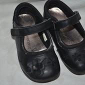 Туфли туфельки нарядные в цветочки маленькой принцессе