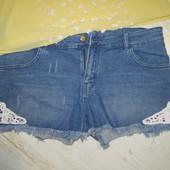 Фирменные джинсовые шортики, состояние новых