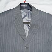 Костюм классический мужской+галстук в подарок