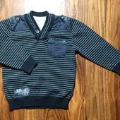Котоновый свитер на 4-5 л.