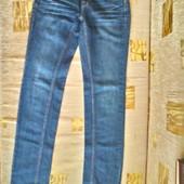 Модные джинсы  Jennifer Lopez для девочки подростка или худенькой мамы ( XS, наш 40 -42)