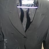 Італійський діловий костюм жіночий-46р ідеальний стан