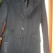 Італійське шерстяне красиве пальто