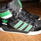 Демисезонные ботинки,кроссовки Adidas 38,5размер. 24,5см.Кожа.Оригинал