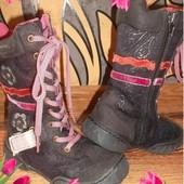 Стильные ботиночки Отличное состояние Стелька=17 см.
