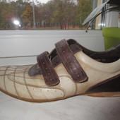 Продам кожаные кроссовки 45 р.