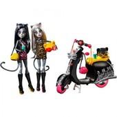Набор кукол монстер хай Мяулодия и Пурсефона на скутере