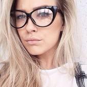 Имиджевые очки форма cat eye.