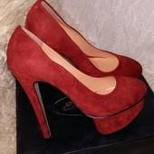 Шикарные туфли на шпильке на праздник. Акция скидка