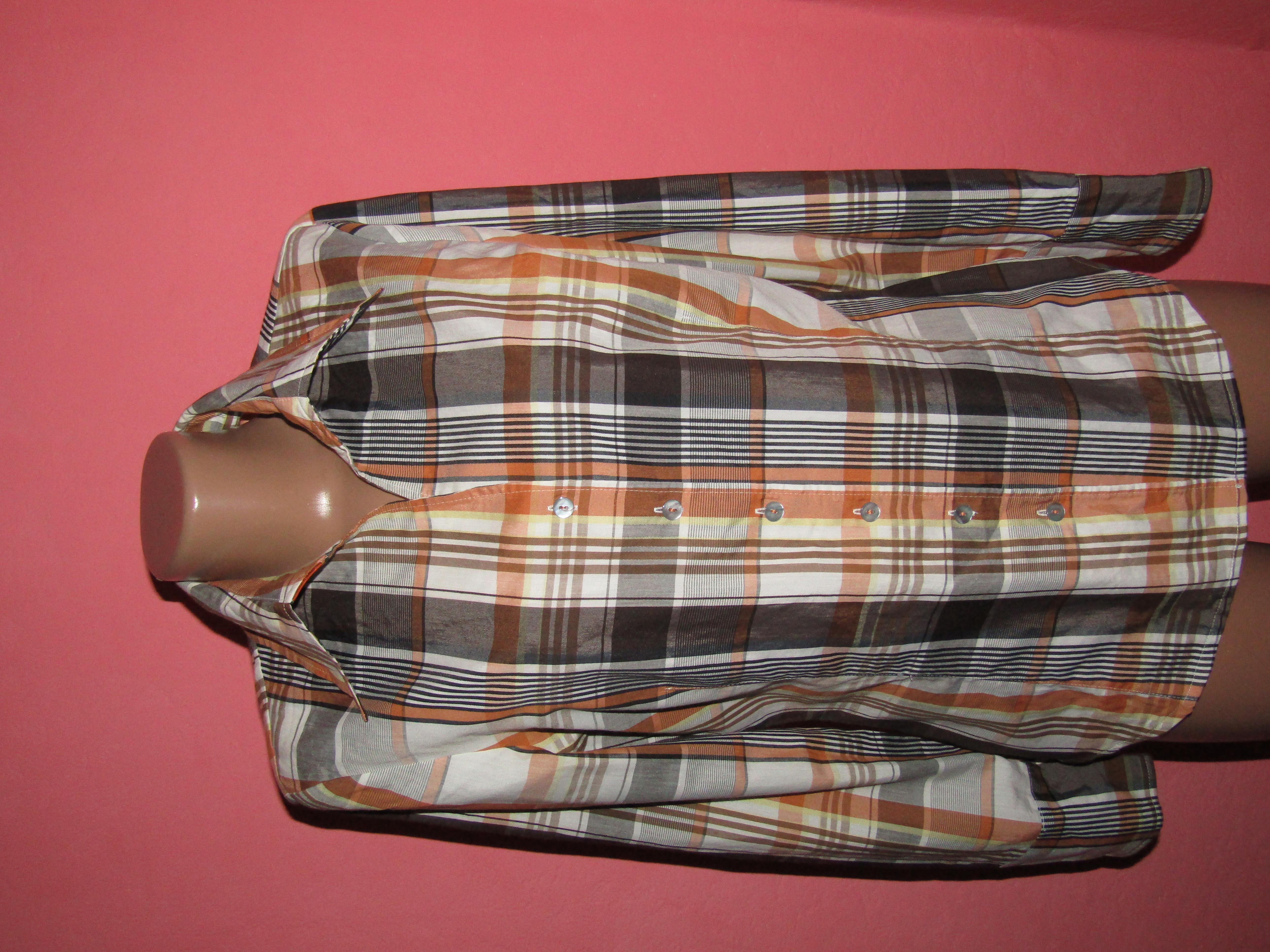 рубашка,блуза р-р М сост новой Se