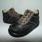 Ботинки  Naturino 23 р-р,по стельке 14,7 см.Мега выбор обуви и одежды