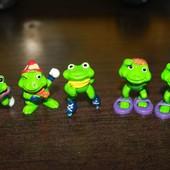 Игрушки  из киндер сюрприза Лягушки 1993 года.