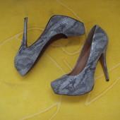 Туфли в состоянии новых,размер 37,5-38.