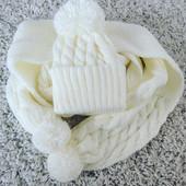 Очень тёплый комплект-шарф и шапка! Цвета в ассортименте! Супер цена!
