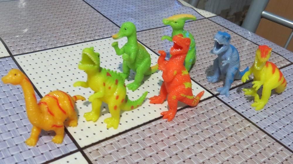 Динозавры силиконовые 8 см в ассортименте (новые). фото №1